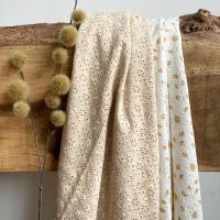 We hebben toch wel kadootjes gehad met een paar mooie dagen met zon. Al vaste zin in nog meer van die dagen. We hebben super leuk de broderie tricot in katoen met een enorm vrolijk bloemetje in diverse kleuren! Kom maar op met de zomer.  #stoffentijd #broderietricot #rekbarebroderie #zomerstoffen #mooiestoffen #fabrics #fabriholic #fabriclover #fabrics #lovetosew #stoffenwebshop #stoffenwinkel